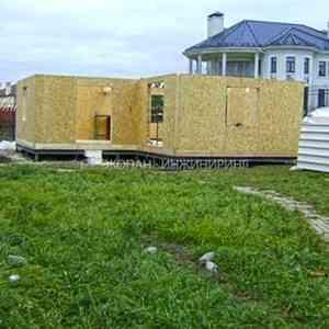 Гостевой дом по технологии СИП (SIP). Фундамент на винтовых сваях d108мм, L=2500мм, обвязка швеллером.