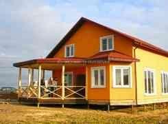Одноэтажный дом с мансардой по технологии СИП (SIP), проект «Висла». Фундамент на винтовых сваях.